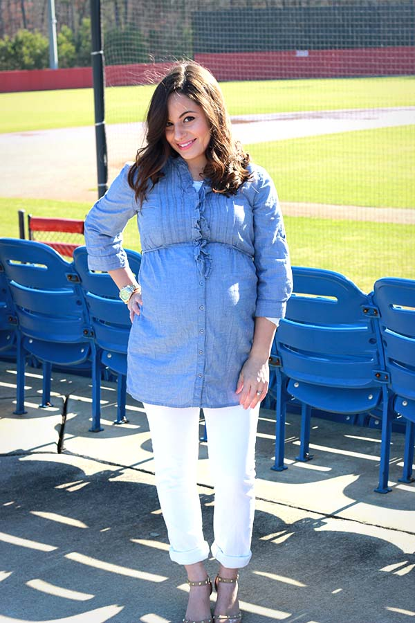 Chambray and white jeans, spring maternity fashion