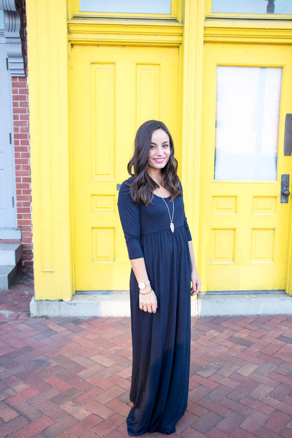 How To Wear A Maxi Dress When You're Petite - Actual Mom Style