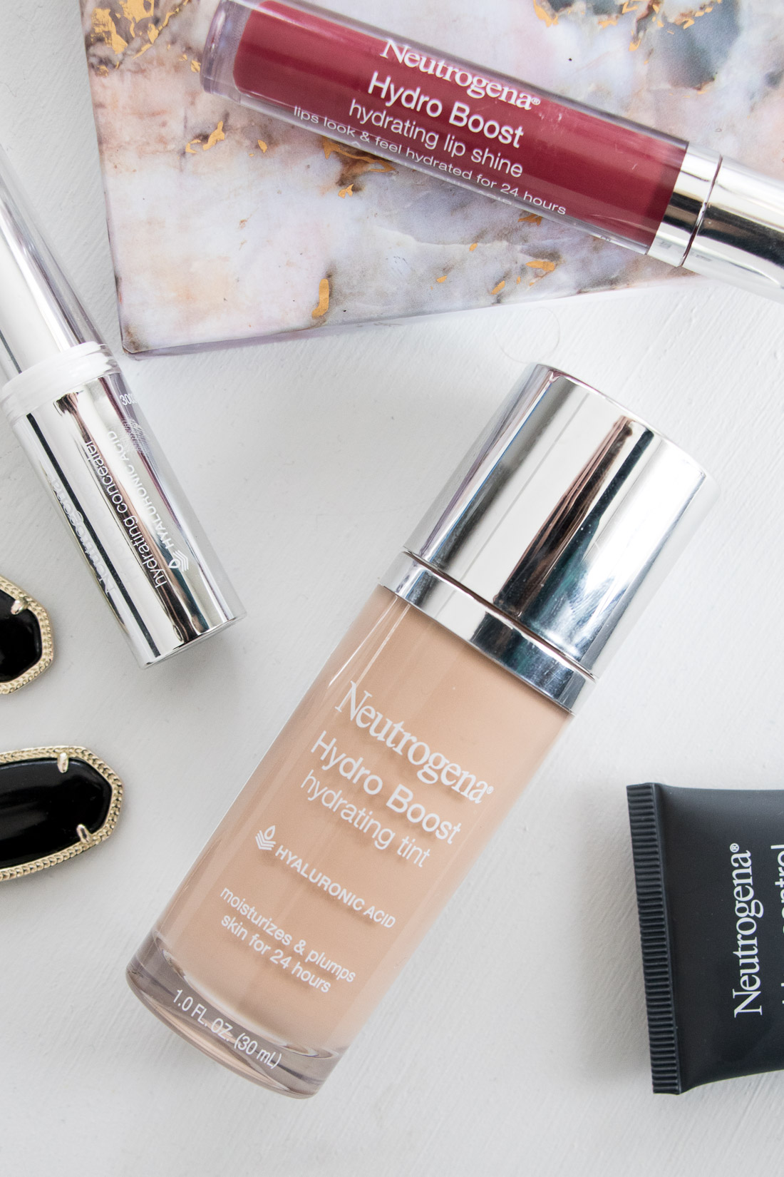Review of Neutrogena Hydro Boost foundation - cream based foundations for dry skin and fine lines.