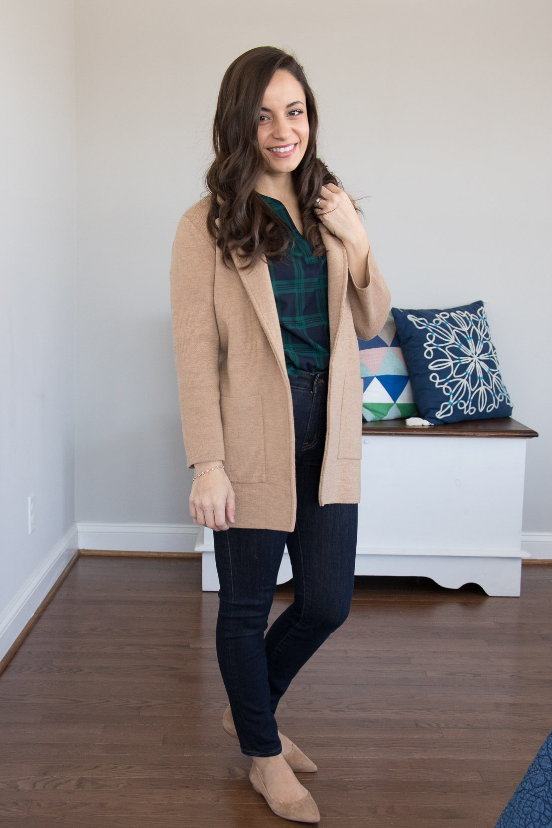 Movie Date Night Outfit - casual date night makeup and outfit idea.