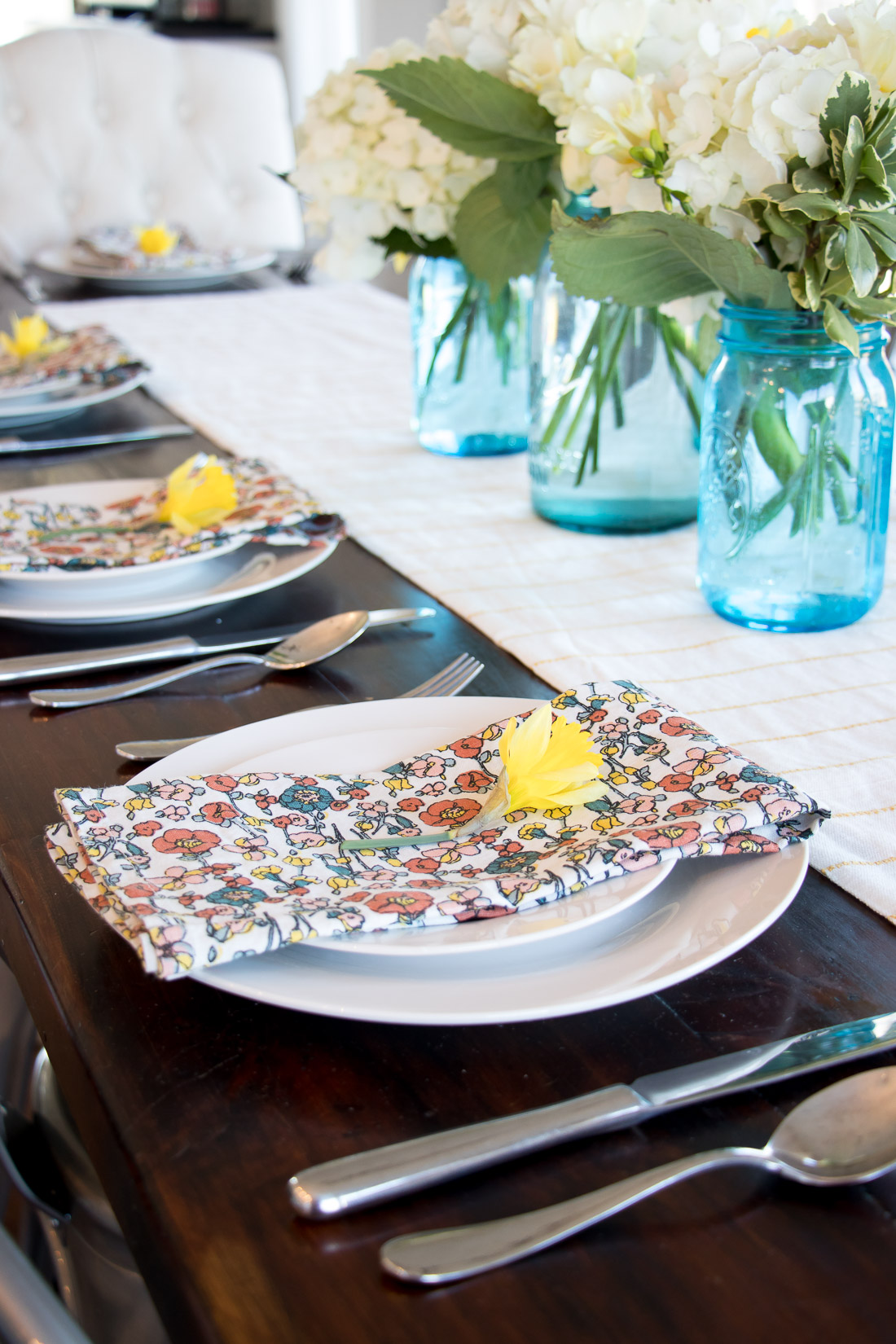 : spring table setting - pezcame.com