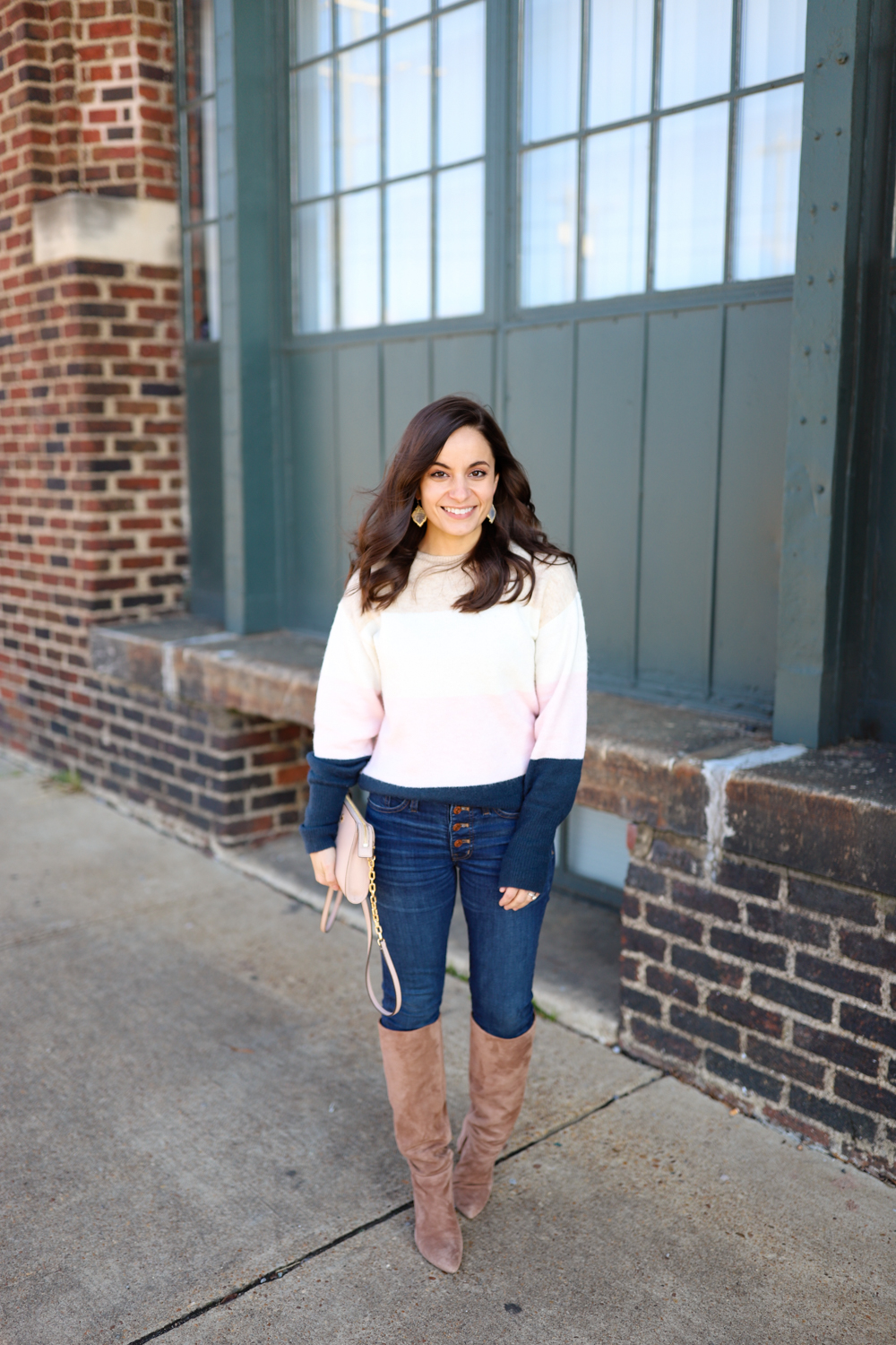 Tips for finding the best fitting pair of jeans via pumps and push-ups blog | petite style